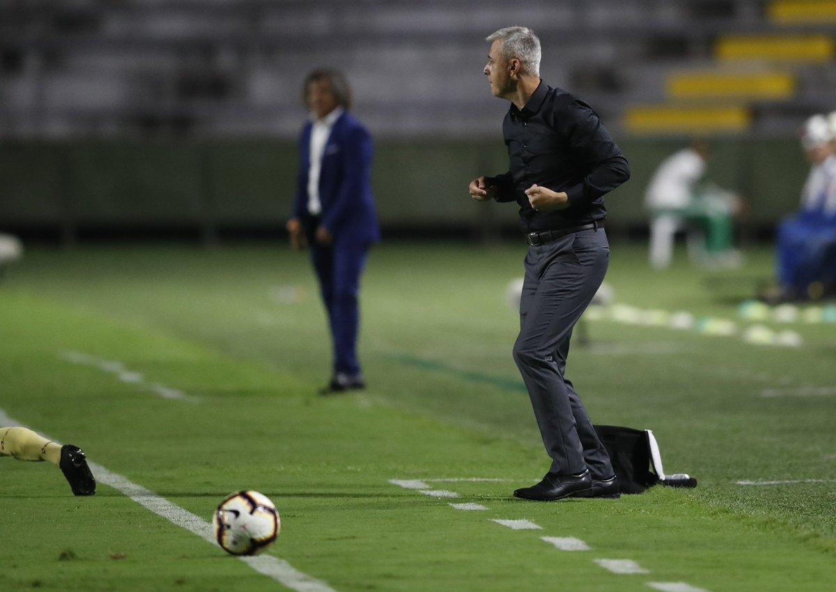 Esportiva's photo on Tiago Nunes