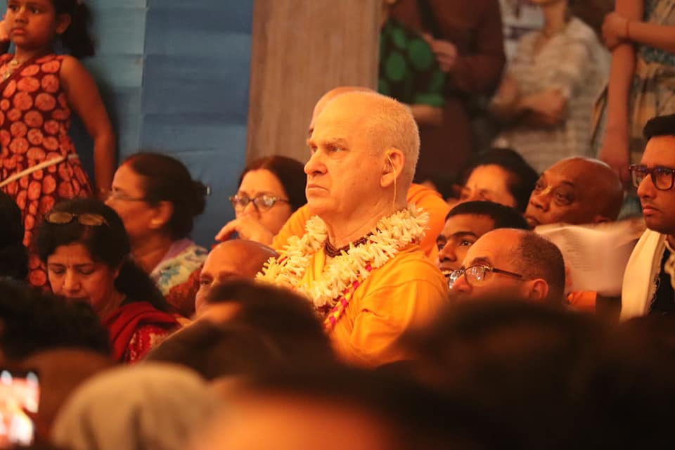 Gaura Purnima Festival : Day 2: Today is the second day of Kirtan Mela. Schedule posted in https://t.co/9awdNu0hpc facebook.  Registration for Navadvipa Mandala Parikrama has begun!  Details of Parikrama here: https://t.co/f6JbEU1Rvm https://t.co/eHzhGs6OiS