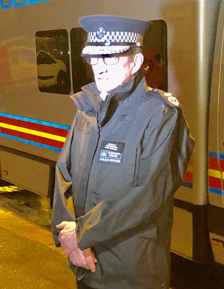 "Uživatel Metropolitan Police na Twitteru: ""We are committed"