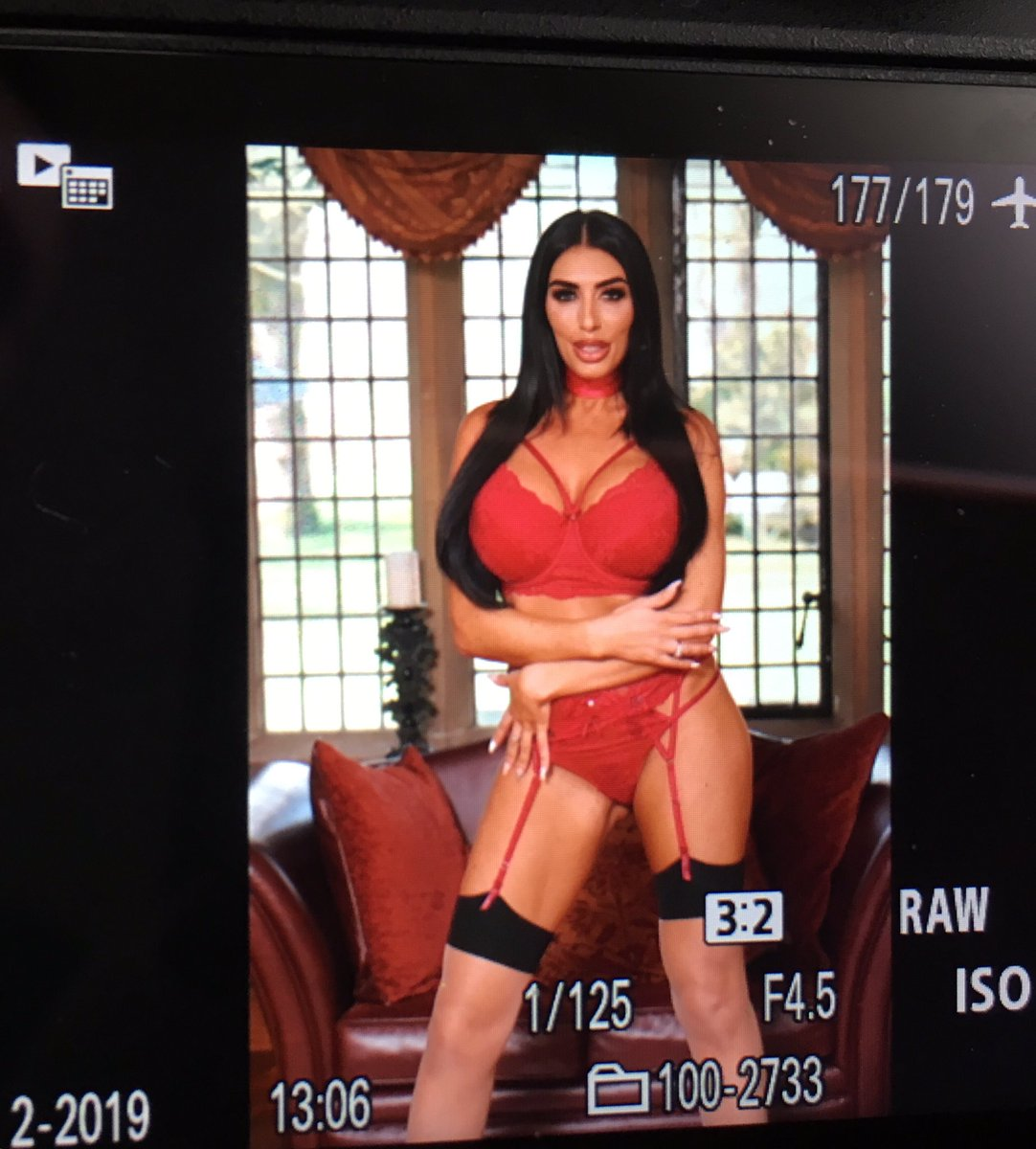 test Twitter Media - Back of cam for @TheSportBabes #thesport #newspaper https://t.co/sshLH85vpG