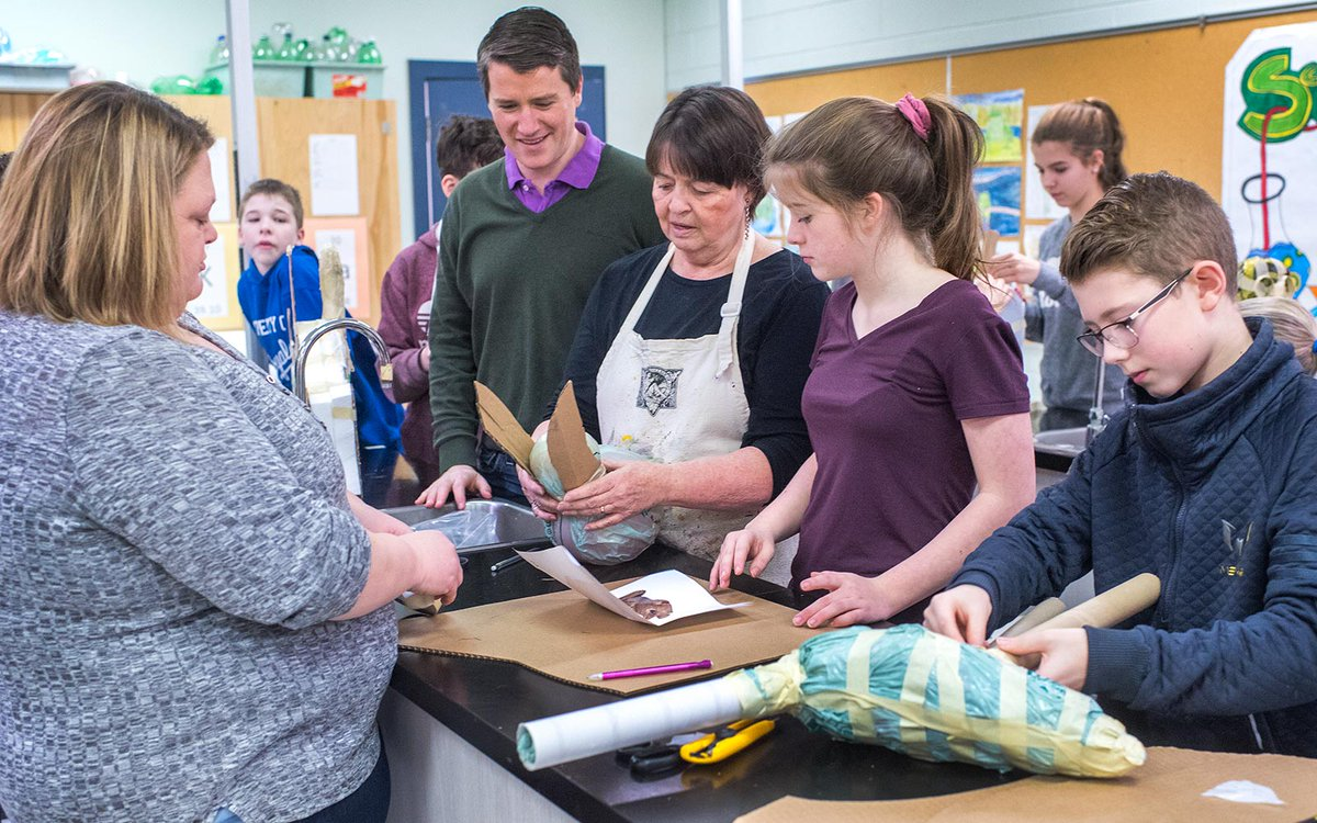 Enseignants et artistes donnent vie aux programmes d'études grâce à GénieArts    #ipe  https://www.princeedwardisland.ca/fr/nouvelles/enseignants-et-artistes-donnent-vie-aux-programmes-detudes-grace-geniearts…