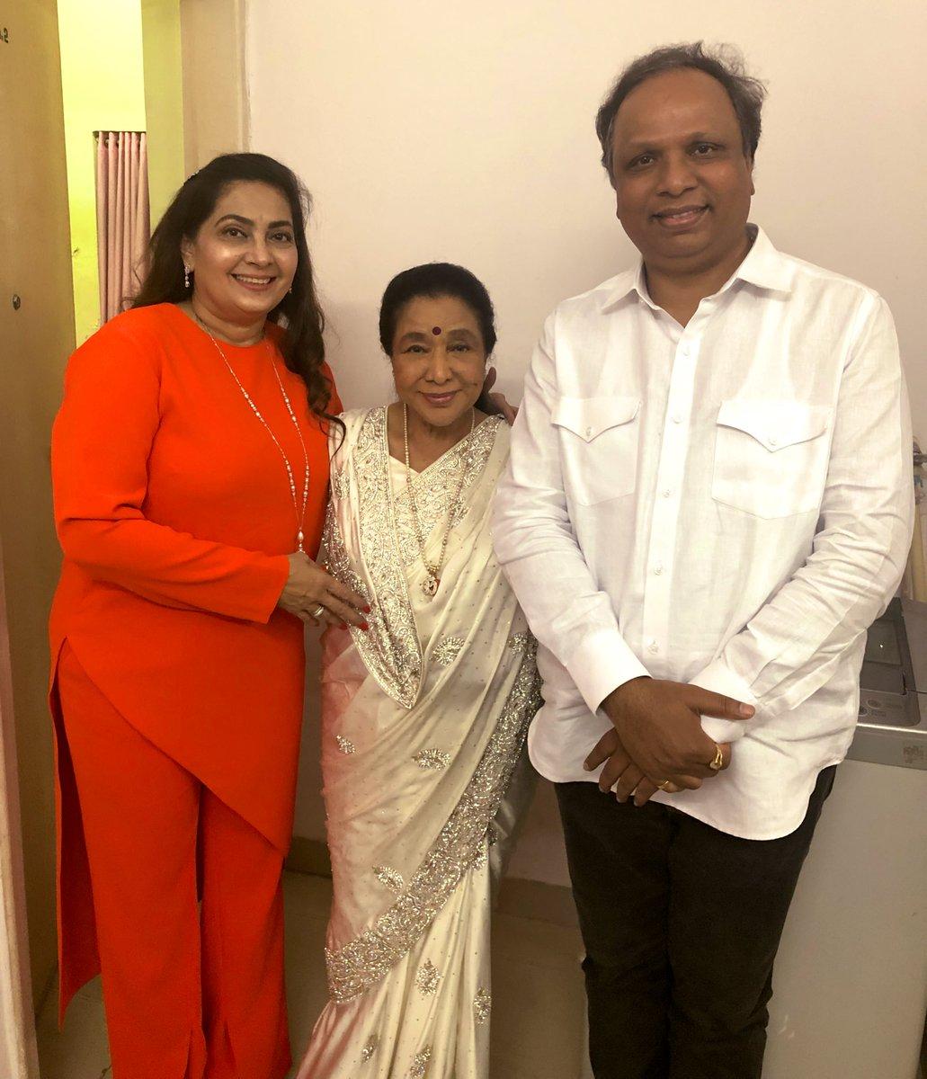 BJP President of Mumbai @ShelarAshish ji wishing me all the best before my concert