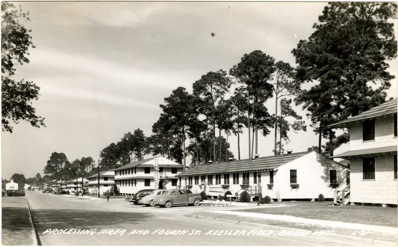 #TeamKeesler Check out this photo of the old Keesler Field Barracks. #FlashbackFriday https://t.co/JrFgNq7Pbk