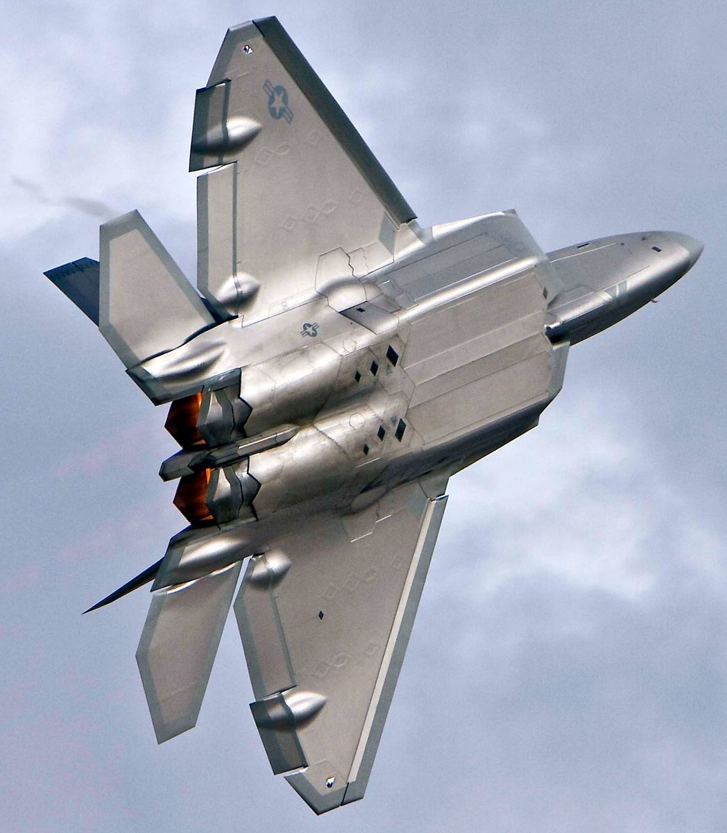 According to best estimates, the F-22 Raptor has a radar cross section of less than .0001 square meters - less than that of a hummingbird!   (Exact RCS is classified) #F22 #USAF #MilitaryMachine  What's your favorite part about the F-22?