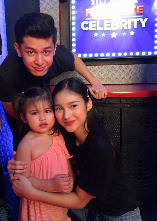 Karina and Aljon be Like:  Merry Christmas and Happy New Year From our Little Family to Yours!   Love, Team Mendoza  #KARJONStudioXPxChambeCon<br>http://pic.twitter.com/Jre2AnucAt
