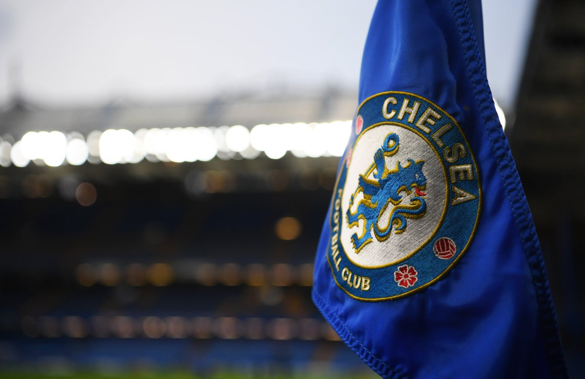 BREAKING: @ChelseaFC banned from signing players for next two transfer windows and fined £400,000 after being found guilty by @FIFAcom of breaching rules about signing minors. #SSN  http://skysports.tv/57pu5I