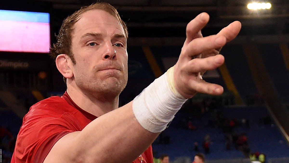 Will Wales fans be toasting this man and his team-mates after they take on England in Saturday's #SixNations crunch game in Cardiff tomorrow?  Here's the team Alun Wyn Jones will lead 👉  https://t.co/g2DsWix3nC