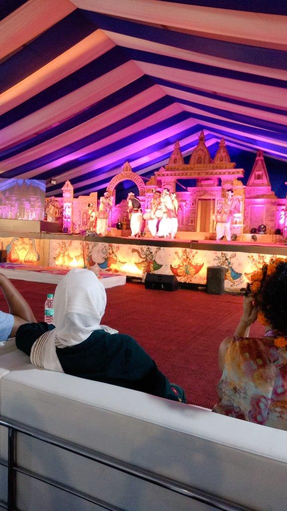 Kathak performance by eminent artiste Shikha Khare and a wonderful Bihu dance by the Assam group for the delegates. @PrayagrajKumbh #Kumbh2019