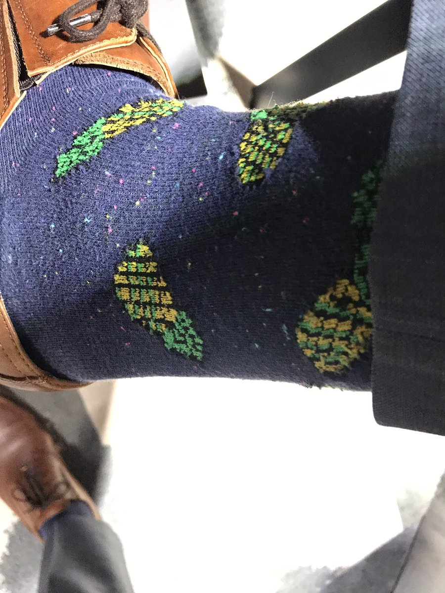Pineapples to close out the week. #GetUpDC #SockGame<br>http://pic.twitter.com/aD1P89WwD3