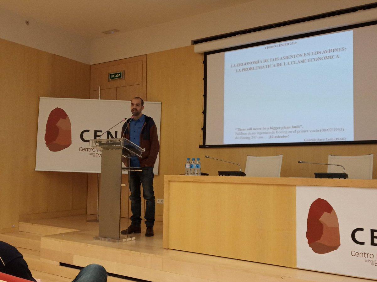 #ICTSNews  Ahora en el Foro, Gonzalo Saco, técnico del laboratorio de Biotecnología y Análisis de movimiento del @CENIEH, presenta su charla sobre ergonomía de los asientos en los aviones.
