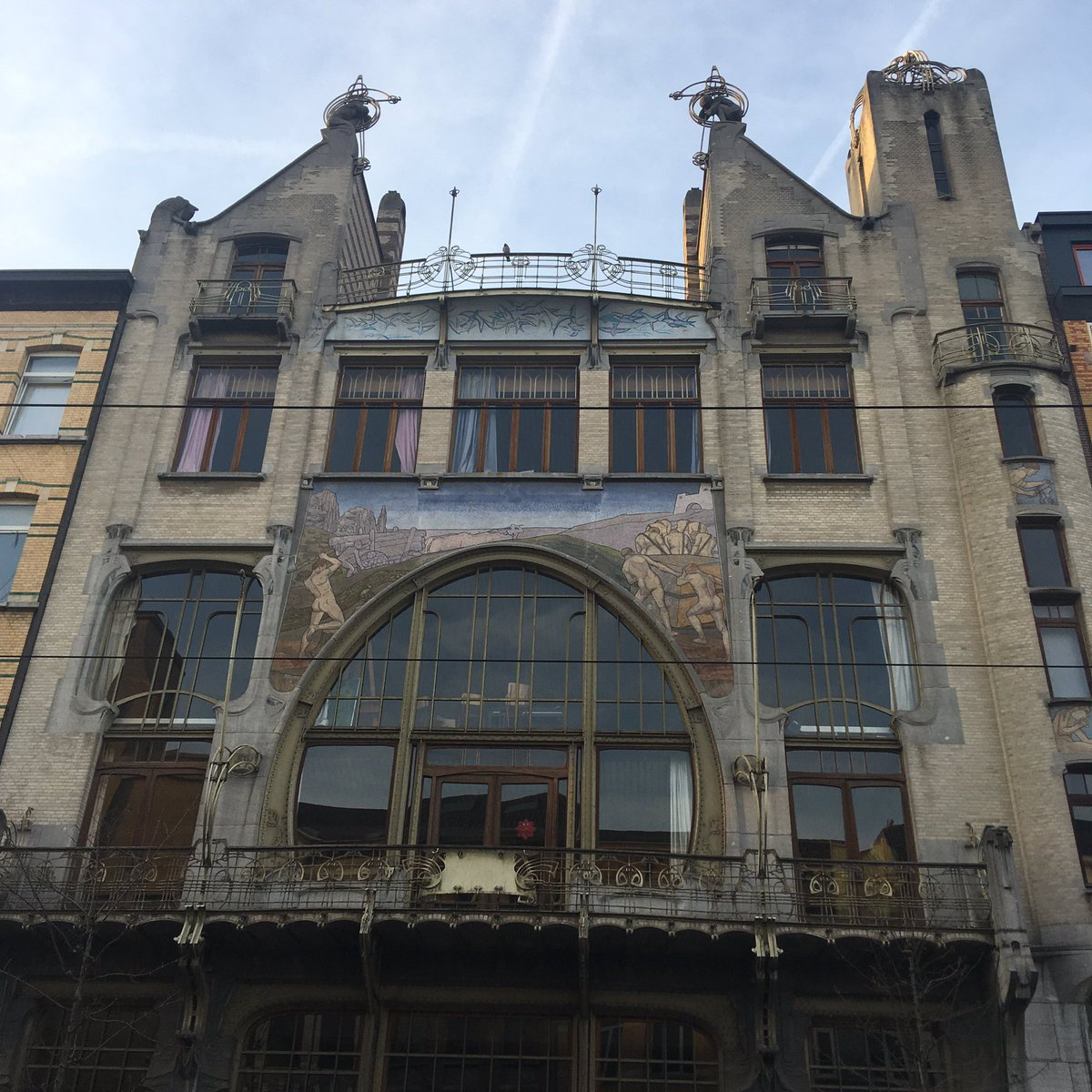 Art Nouveau in Belgium is not only #victorhorta and #brussels Let's visit #Antwerp next time that you go to #belgium #artnouveau #travel<br>http://pic.twitter.com/io49u6ca71