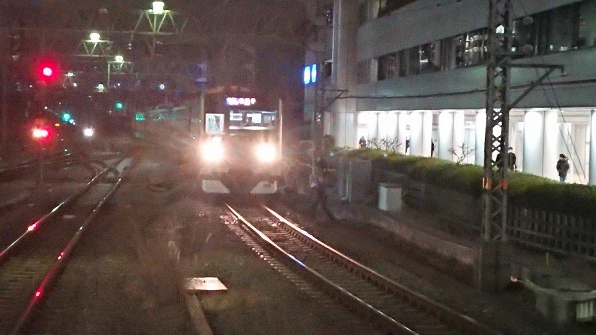 小田急小田原線の新百合ケ丘駅で人身事故の現場画像