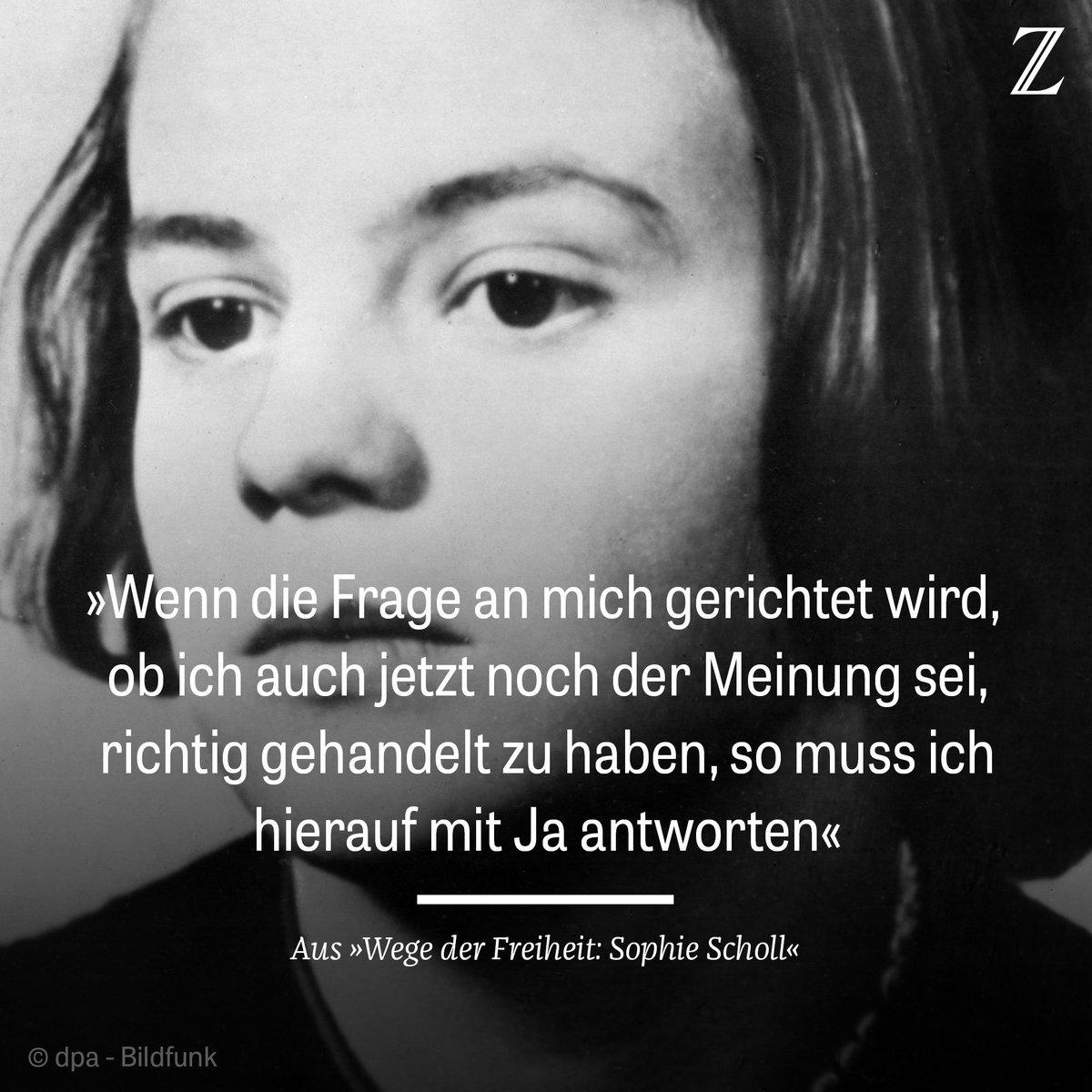 Am 22. Februar 1943 wurde Sophie #Scholl von den Nazis umgebracht. Man hat sie vielfach verkitscht. Doch ihr Leben ist nach wie vor ein Lehrstück über den Mut zu Erkenntnis und Selbsterkenntnis, schreibt unsere Autorin. https://t.co/jFiTy21jD6 #WeisseRose  #Archiv