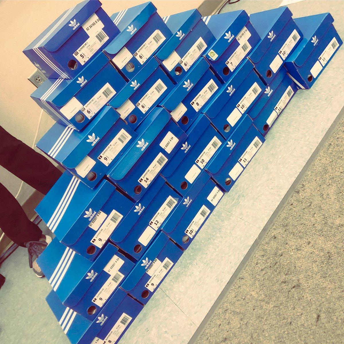 815763a4a7 #adidas #champssports #threestripeslifepic.twitter.com/2KuZwvhOhp