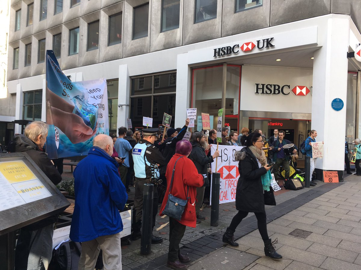 @HSBC_UK Stop funding fracking! #ExtinctionRebellion this is a #ClimateEmergency and the LAST THING we need is a whole new fossil fuel industry<br>http://pic.twitter.com/LeLYgKBBlI