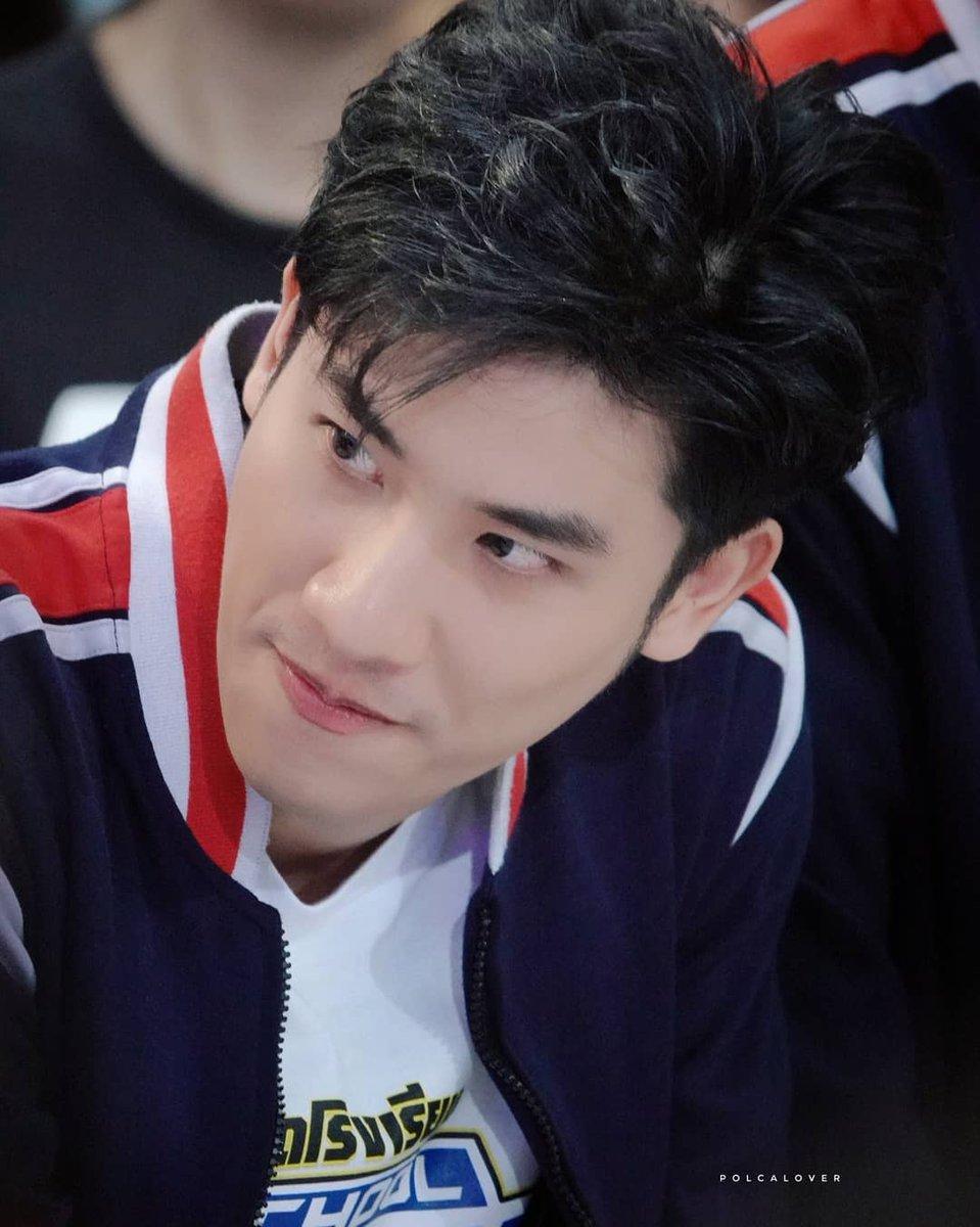 He did it again He did it again He did it again He did it again @Tawan_V #Tawan_V #ชาวบ้าน #เตนิว #รถโรงเรียนSchoolRangers<br>http://pic.twitter.com/5m08A8Tyg8