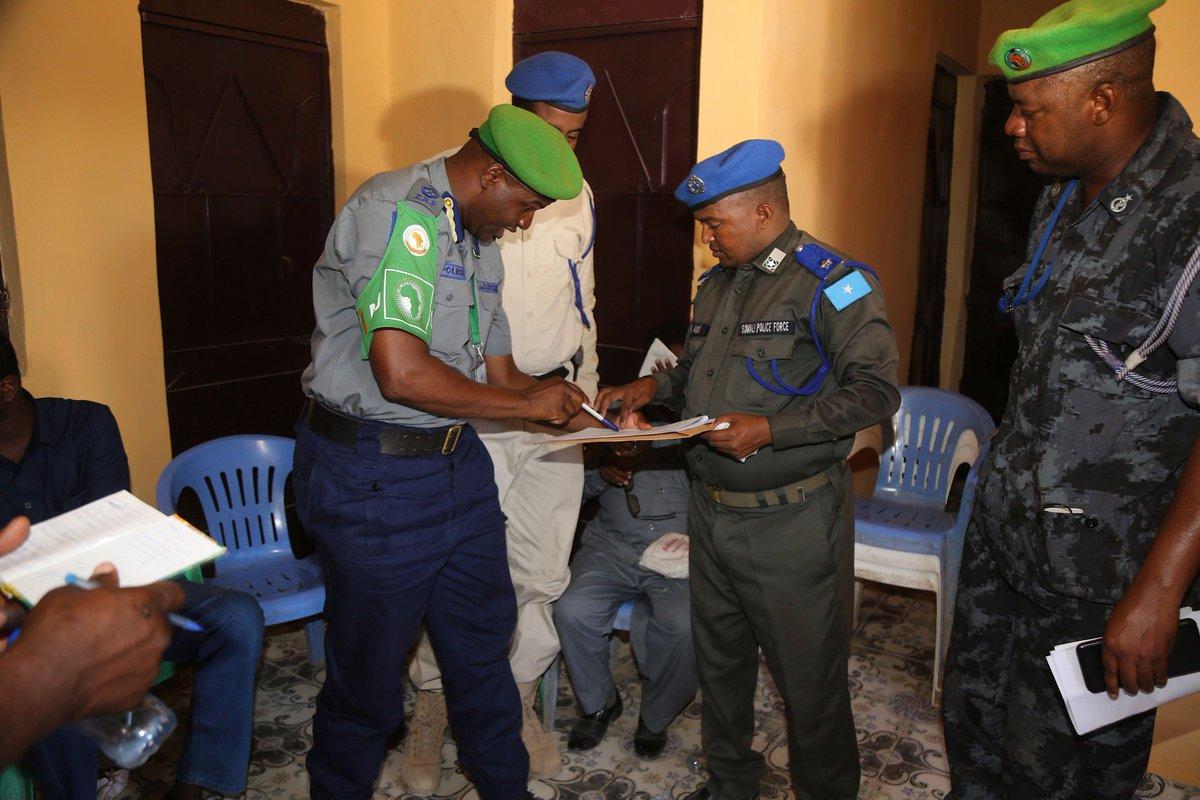 AMISOM hands over a refurbished police station in Beletweyne @amisomsomalia<br>http://pic.twitter.com/HZNwRcGzAZ