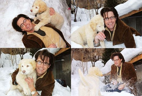 """Happy 60th birthday to \""""Twin Peaks\"""" star (and dog lover) Kyle MacLachlan!"""