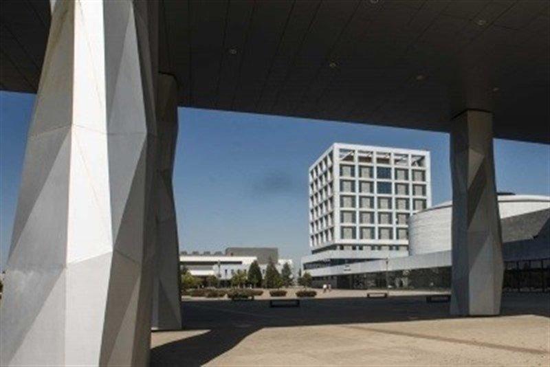 La #URJC aprueba el polémico plan de reordenación docente y no habrá matrícula nueva de primer curso en 6 titulaciones del campus de Aranjuez http://ow.ly/A5aO30nNJJr