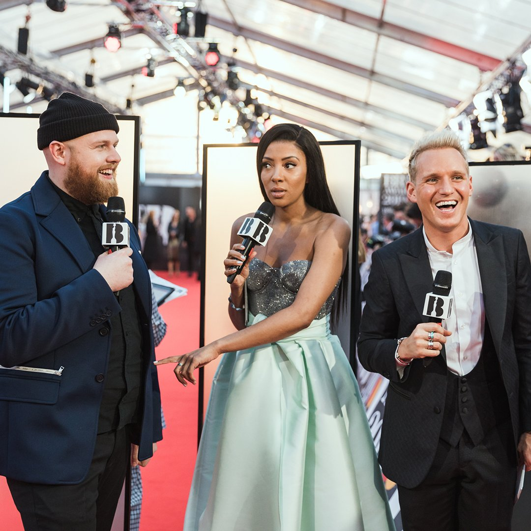 🎉 Our Facebook live stream hosts @JamieLaing_UK and @YasminEvans had the best time catching up with artists on the Red Carpet and we had the best time watching them! If you're after some Saturday viewing, this is it 👌https://www.facebook.com/BRITs/videos/2200592576667697/?t=94…