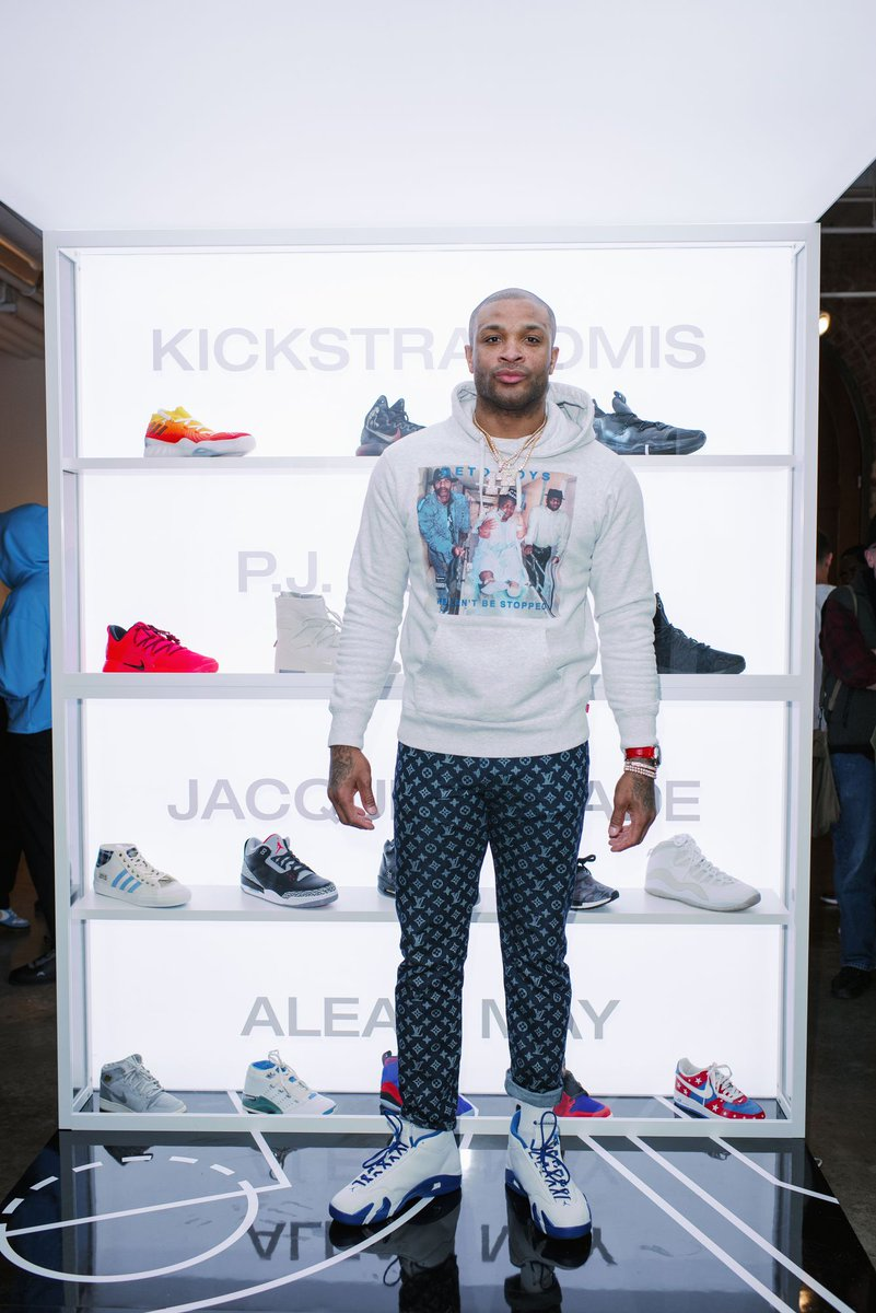 P.J. Tucker is helping to auction exclusive sneakers and gifts for charity, including a basketball autographed by the entire Houston Rockets team and some kicks from his own collection. https://www.thedreamshake.com/2019/2/22/18235644/p-j-tucker-houston-rockets-ebay-auctioning-exclusive-sneakers-gifts-for-charity?utm_campaign=thedreamshake&utm_content=chorus&utm_medium=social&utm_source=twitter…
