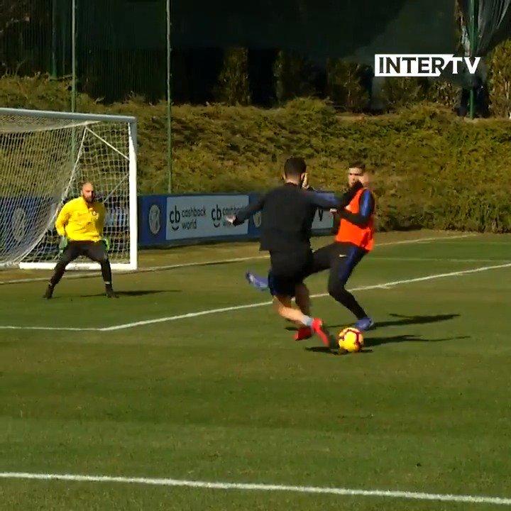 🔥 | ON FIRE  @gaglio94 nell'allenamento di stamattina, il primo in vista di #FiorentinaInter