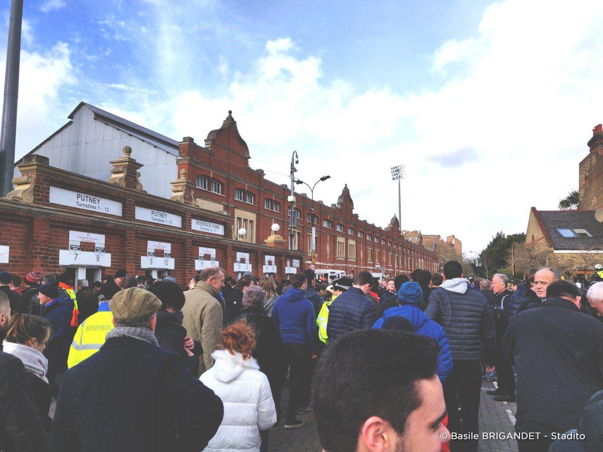 📸🏟 Stadito Tour : Un week-end football à Londres (Épisode 1). 🇬🇧  >> https://stadito.fr/2019/02/22/stadito-tour-un-week-end-football-a-londres-episode-1/…  Nos deux rédacteurs se sont plongés dans l'histoire du football londonien avec un match à Craven Cottage entre Fulham et Manchester United. #FULMUN ⚪⚫