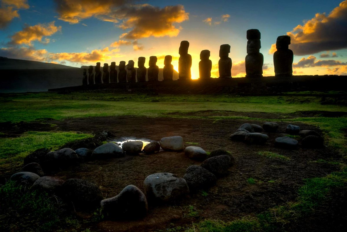 Discover the mysteries of Easter Island. #Chile #rapanui #travel #amazing #vacation #holiday #photootheday pic.twitter.com/6JDCPe2paJ