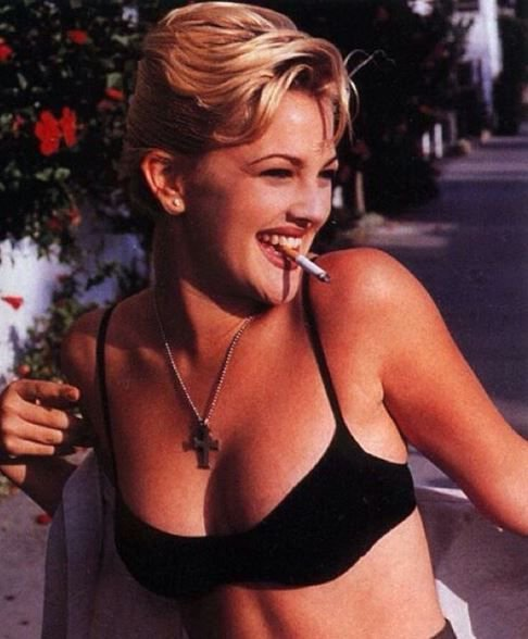 Happy birthday to the lovely Drew Barrymore  Forever our 90s style icon