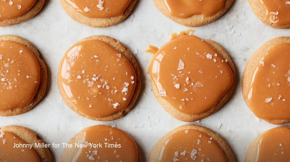 These soft and buttery cookies get dressed up with a thin layer of salted caramel and a dusting of flaky sea salt for good measure  https:// nyti.ms/2SSO0EZ  &nbsp;  <br>http://pic.twitter.com/82fDu0msxa