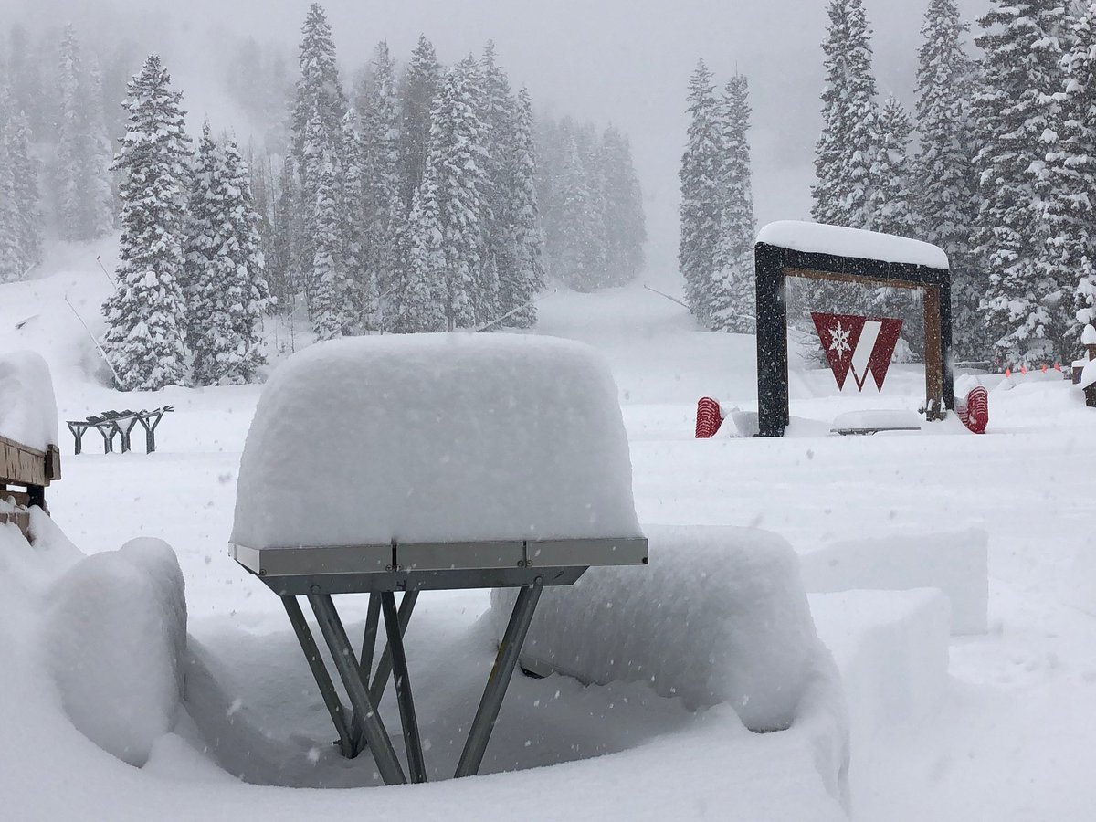 If you&#39;re wondering what 24&quot; in 24 hours looks like, feast your eyes on this.<br>http://pic.twitter.com/E3z6LhpVqw