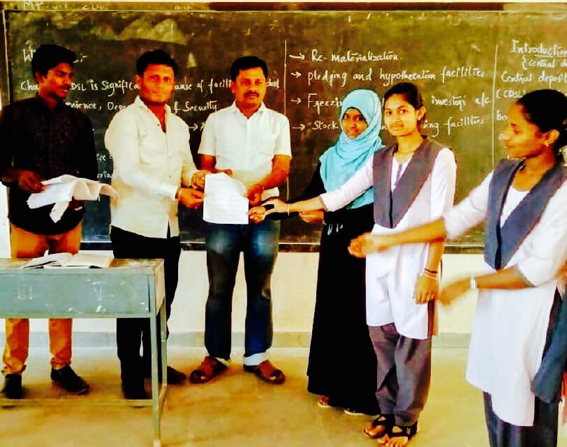 100% Voting awareness campaign held in sidlaghatta by distributing Form Number 6 for new voters to enrol, also distributed forms in various  colleges.  Circle inspector Anand Kumar sir supported the event  #2019Elections #GeneralElection #BeAVoter <br>http://pic.twitter.com/mMQixnf3Hv
