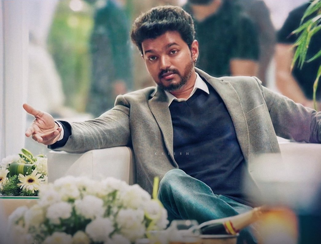 The Super-smart CEO!  #ThalapathyVijay<br>http://pic.twitter.com/2tmYHIJyLf