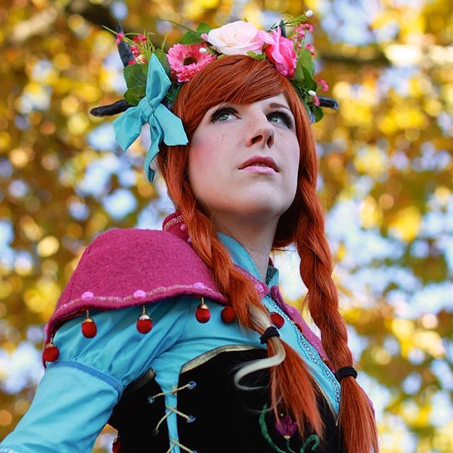 I just adore the colors in that pic!  Anna by me Photographer JustPhil . #annacosplay #autumn #fall #autumnleaves #disneyprincess #sewing #seamstress #disneycosplay #austriancosplayer #cosplaygirl #frozen