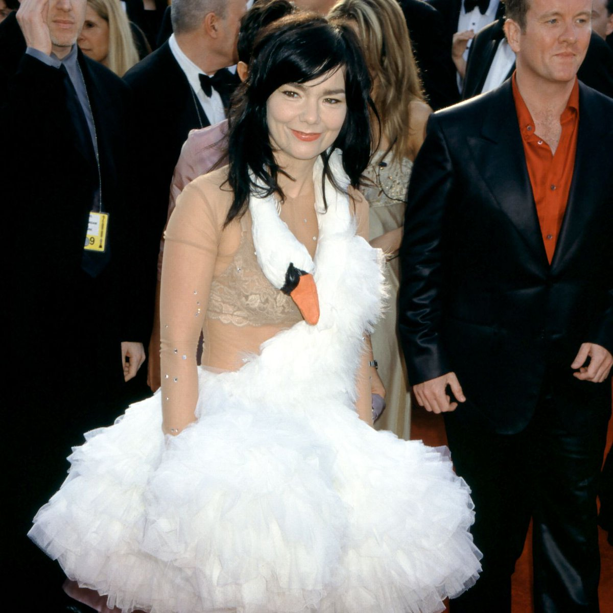 after exhaustingly combing through *90 years* of Oscar fashion, i've somehow narrowed it down to the four greatest red carpet looks of all time: <br>http://pic.twitter.com/xmd7jyzvvX