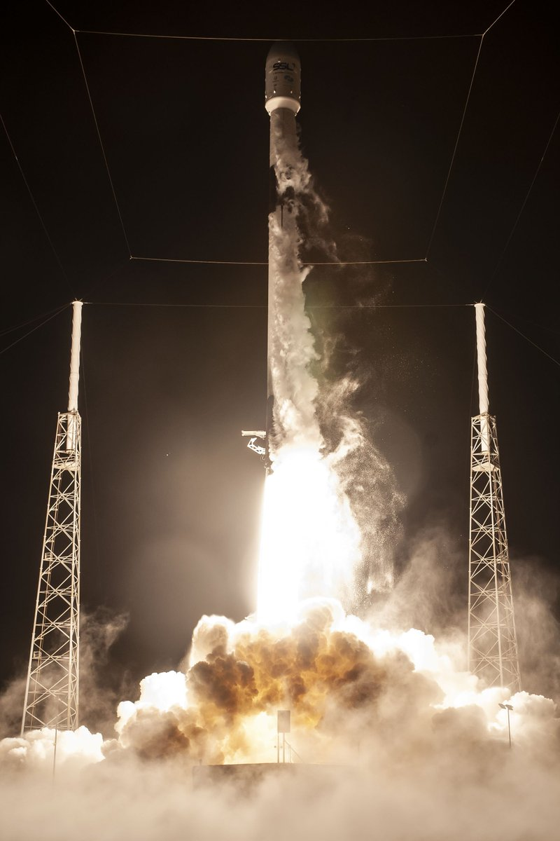 More photos from last night's Falcon 9 launch→ https://t.co/095WHX44BX