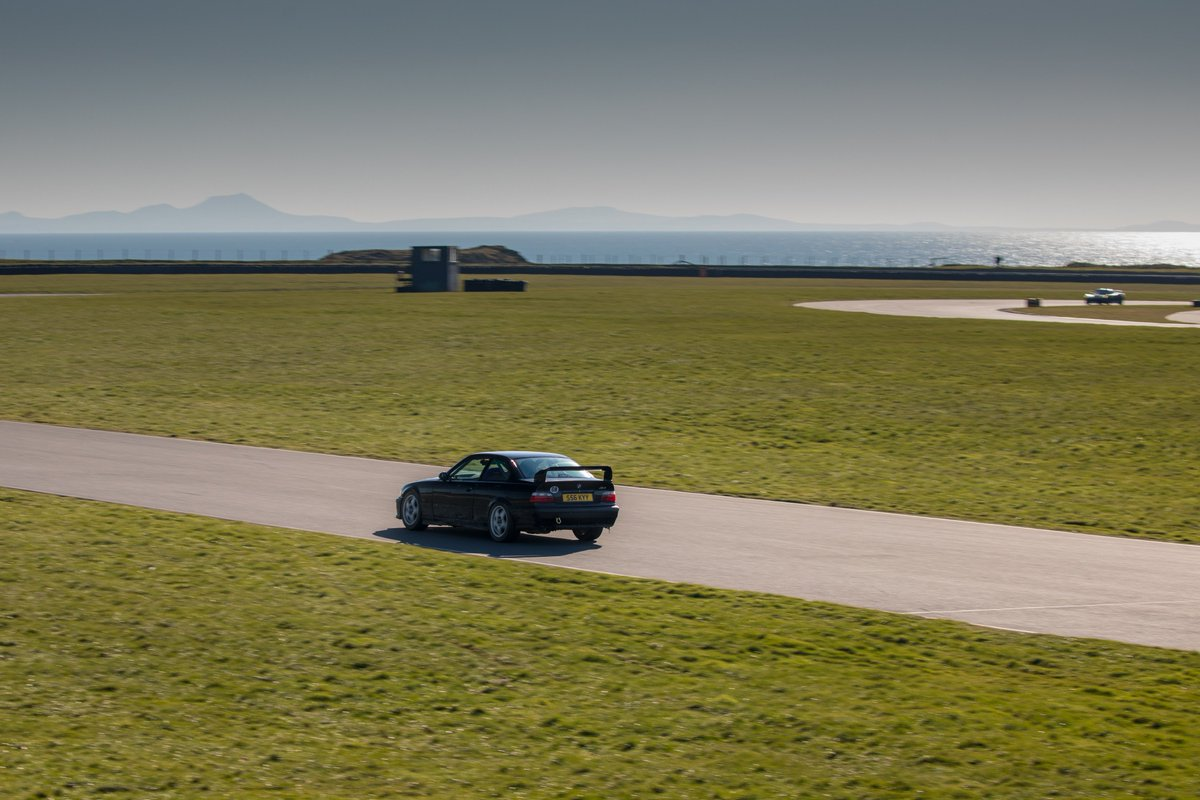 Season opening trackday tomorrow @angleseycircuit ! 🙌 Weather is promised to be as good as last year 🌞  Still a few places left on track- email neil@bmwcarclubgb.co.uk for more information! 📧 Remember entry is free for spectators 🏁  #bmwcchq #bmwontrack #bmwccgb #BMW #BMWCCR