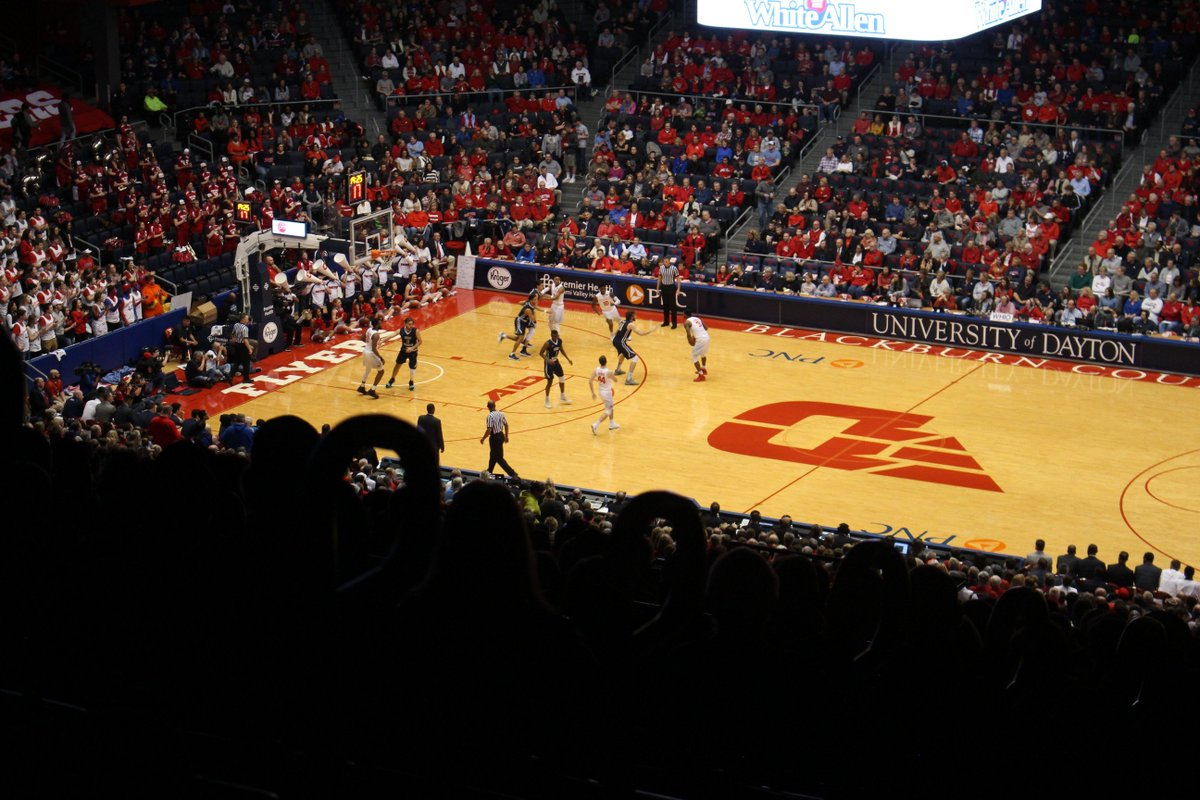 Looking forward to watching @DaytonMBB tomorrow! After the game, we&#39;re holding our annual Law Alumni Basketball Reception with guest speaker @larryhansgen. #JoinTheFight <br>http://pic.twitter.com/CsIzJj379i