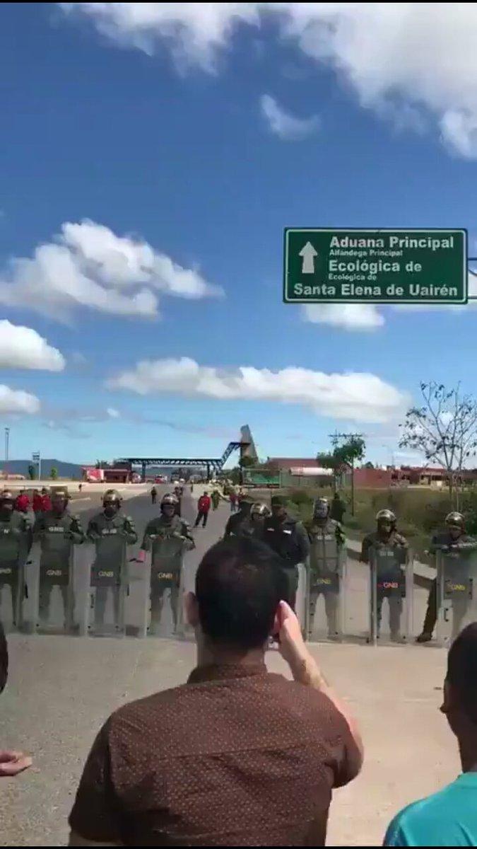 D0BkCy1W0AA8S6R США готовят вторжение в Венесуэлу. Оружие и спецназ уже на подходе. Повод есть...
