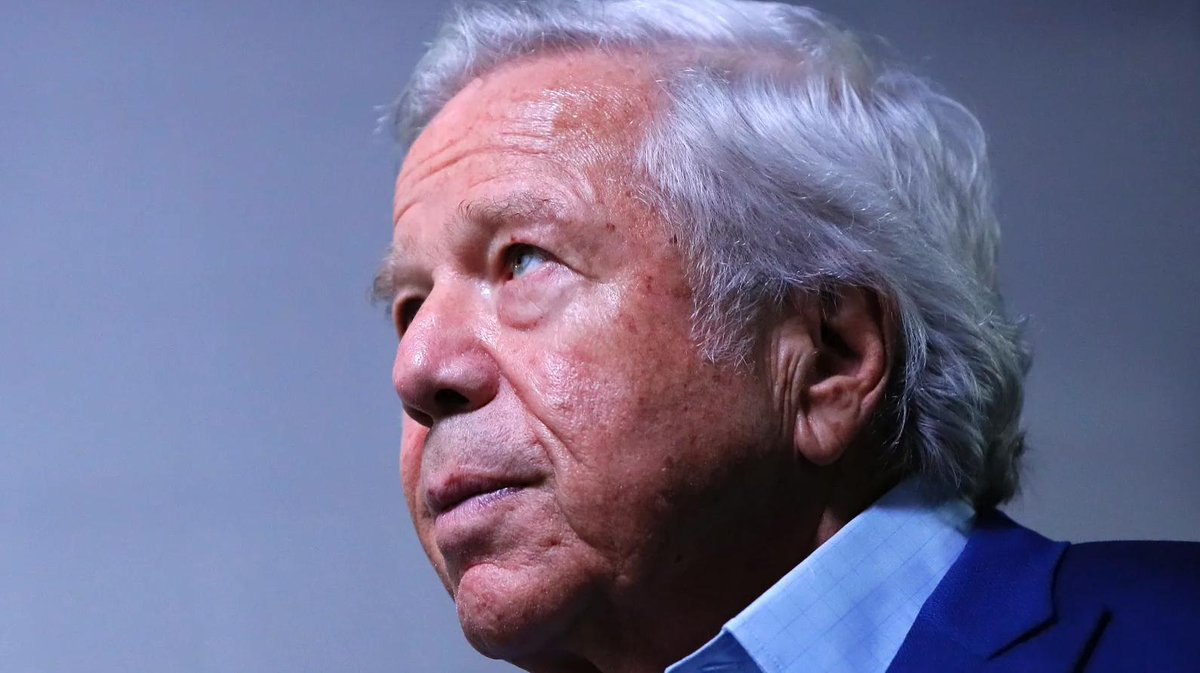 Patriots owner Robert Kraft charged with two counts of soliciting prostitution: https://t.co/7GshmQPnPf