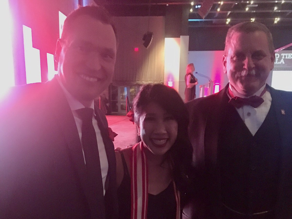 Wonderful to attend last night's #uwredtie event. Congratulations to the @myunitedway 2018 Campaign Co-chairs and labour winners from EDLC, CUPE, HSAA and Unifor! #unignorable