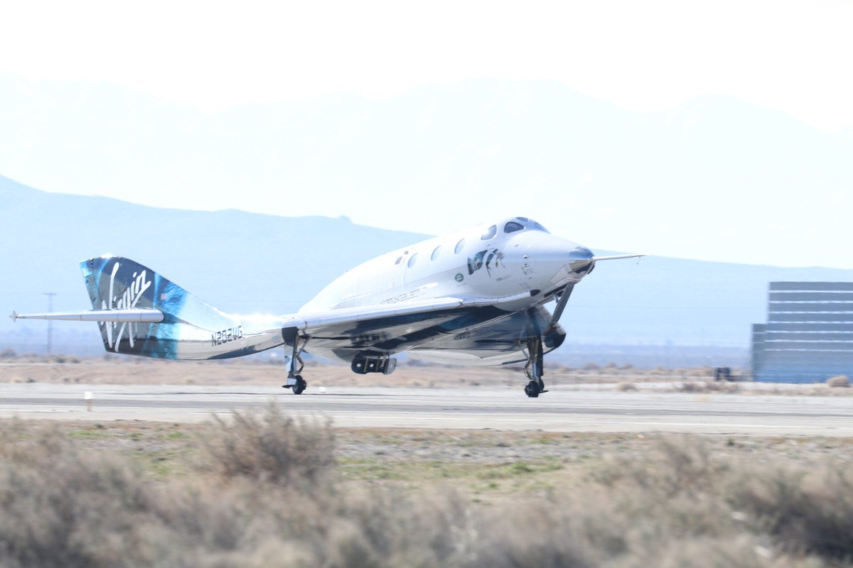 SpaceShipTwo lands back on Earth after its second trip to space