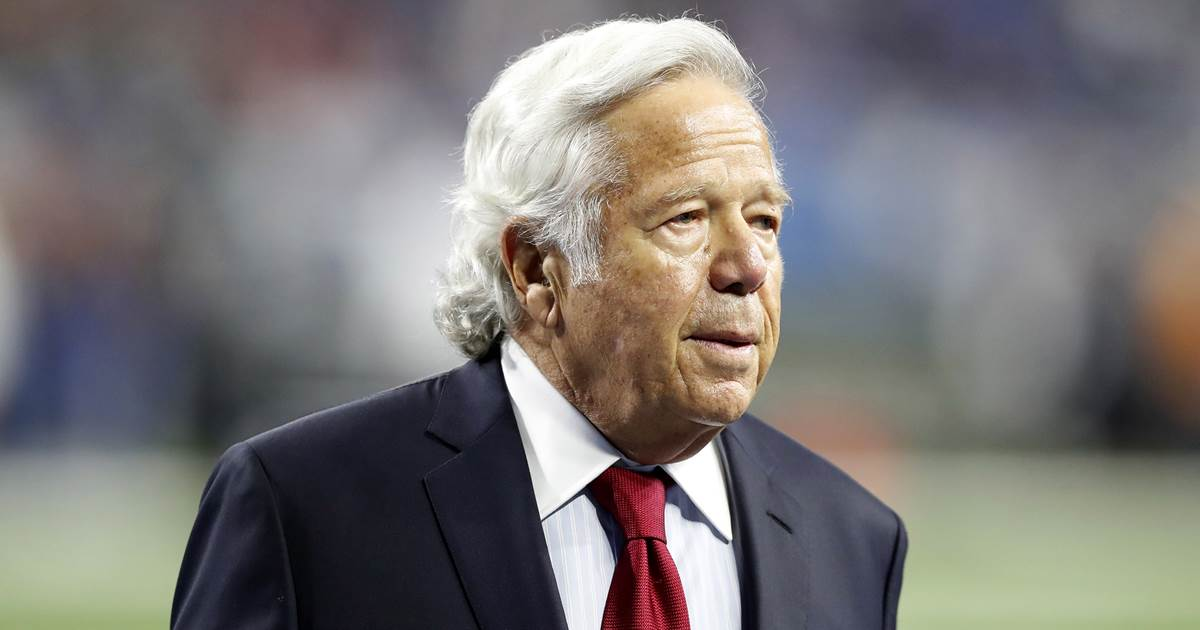 Patriots owner Robert Kraft charged with soliciting prostitution https://t.co/hayds6D9LX