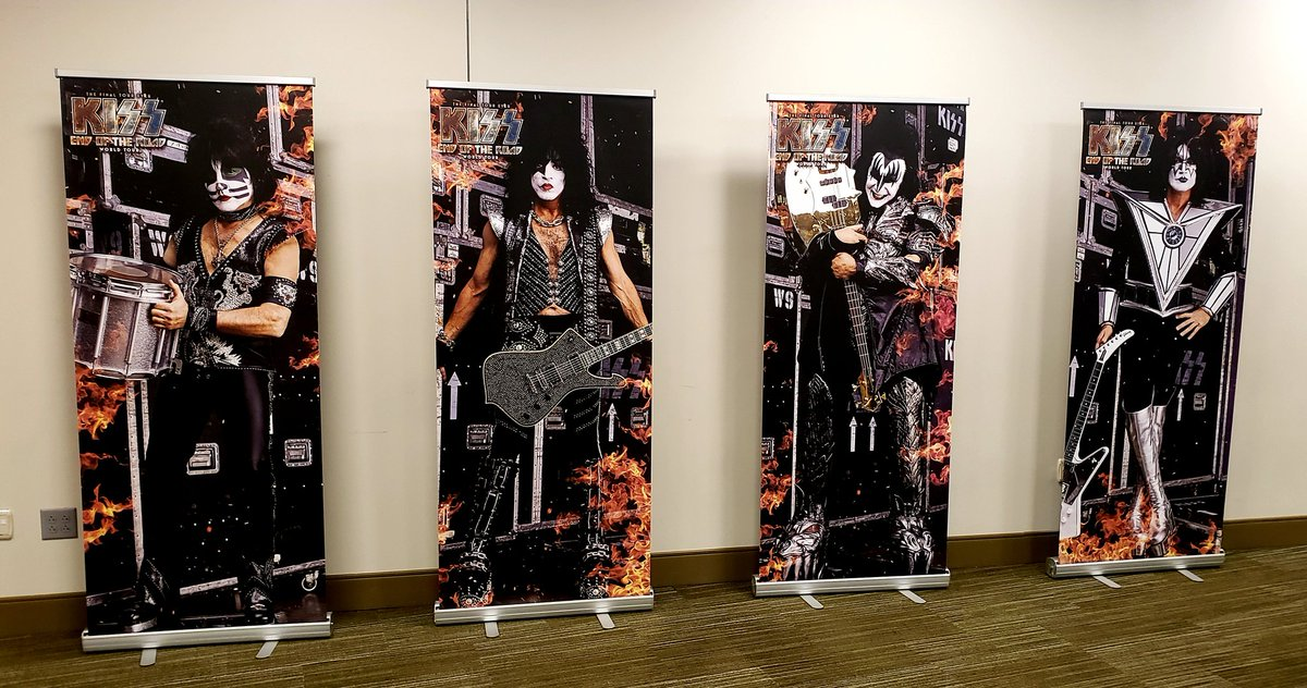 #KISS banners in our VIP Captain&#39;s Lounge at @SmoothieKingCtr #NewOrleans.<br>http://pic.twitter.com/tQU5KYChG8