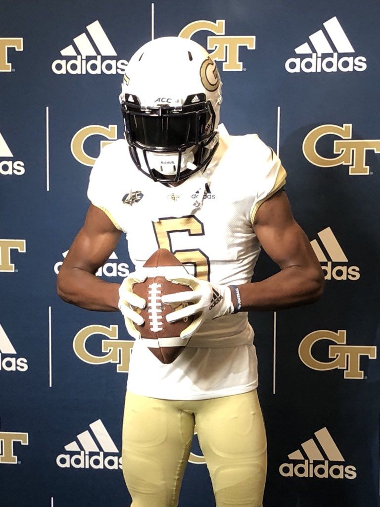 What a Great Experience today at Georgia Tech 44 thank you @Coach_NBurton @_CoachThacker @CoachCollins #meGaTron21 for having my family and I today <br>http://pic.twitter.com/KYEmZk0eNV