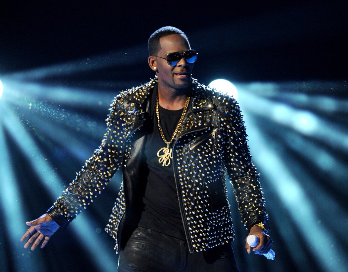 BREAKING: Chicago prosecutors have charged R. Kelly with 10 counts of aggravated criminal sexual abuse, reports @Suntimes.