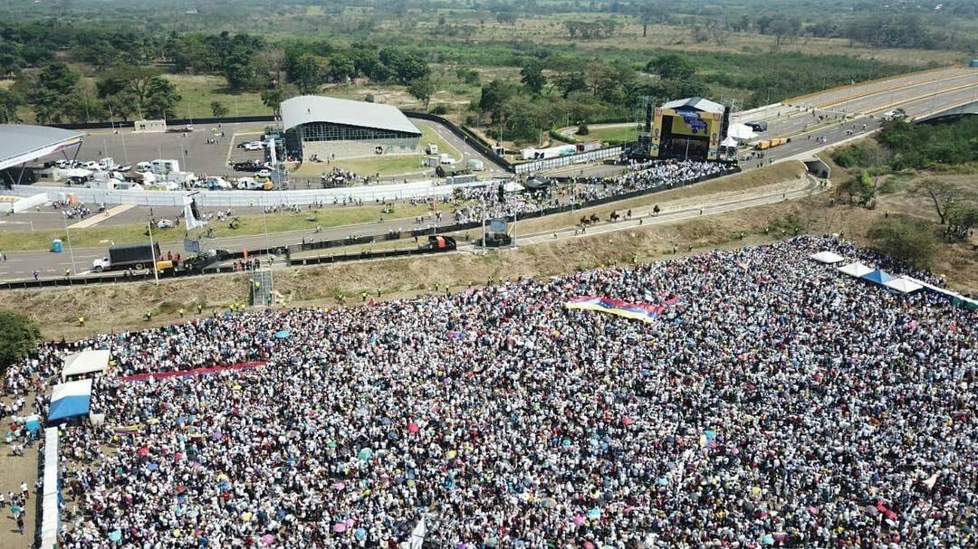 Maduro: Si algo me pasa, ¡retomen el poder y hagan una revolución más radical! - Página 8 D0CBaUqWsAAKESe