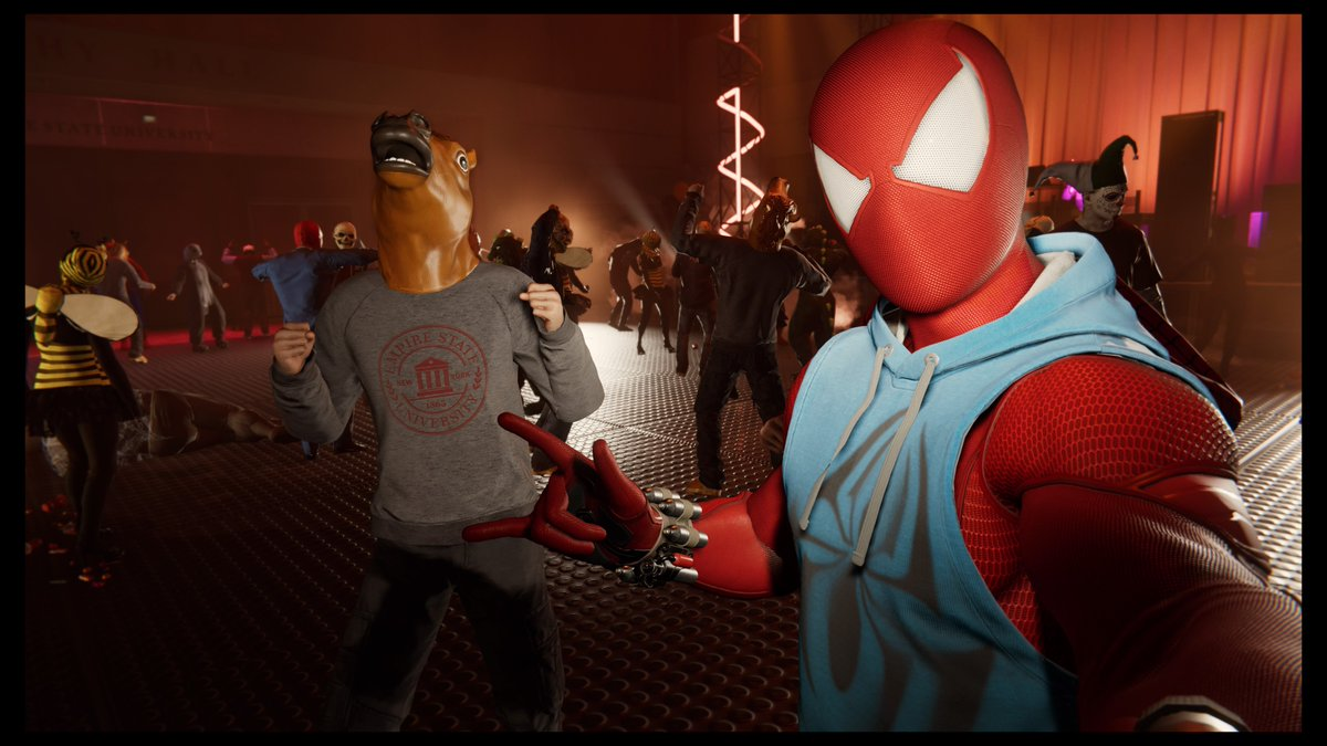 What is this, a crossover episode? #SpiderManPS4 #BojackHorseman #PS4<br>http://pic.twitter.com/UhnmzFlxtS