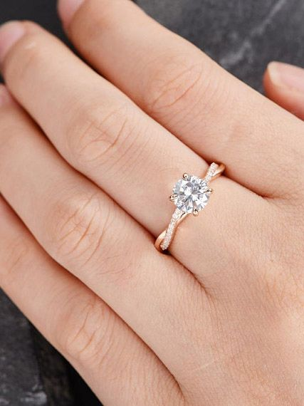 This engagement ring trend is cheaper than diamonds (but looks just as pretty): http://wwwear.me/2X9qLQa