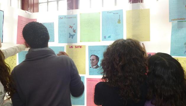 Enseñar a Machado, #ElClubdeLectura de Sonia Asensio en nuestro especial sobre el poeta en #LosDiablosAzules http://ow.ly/fcOL30nNlI4